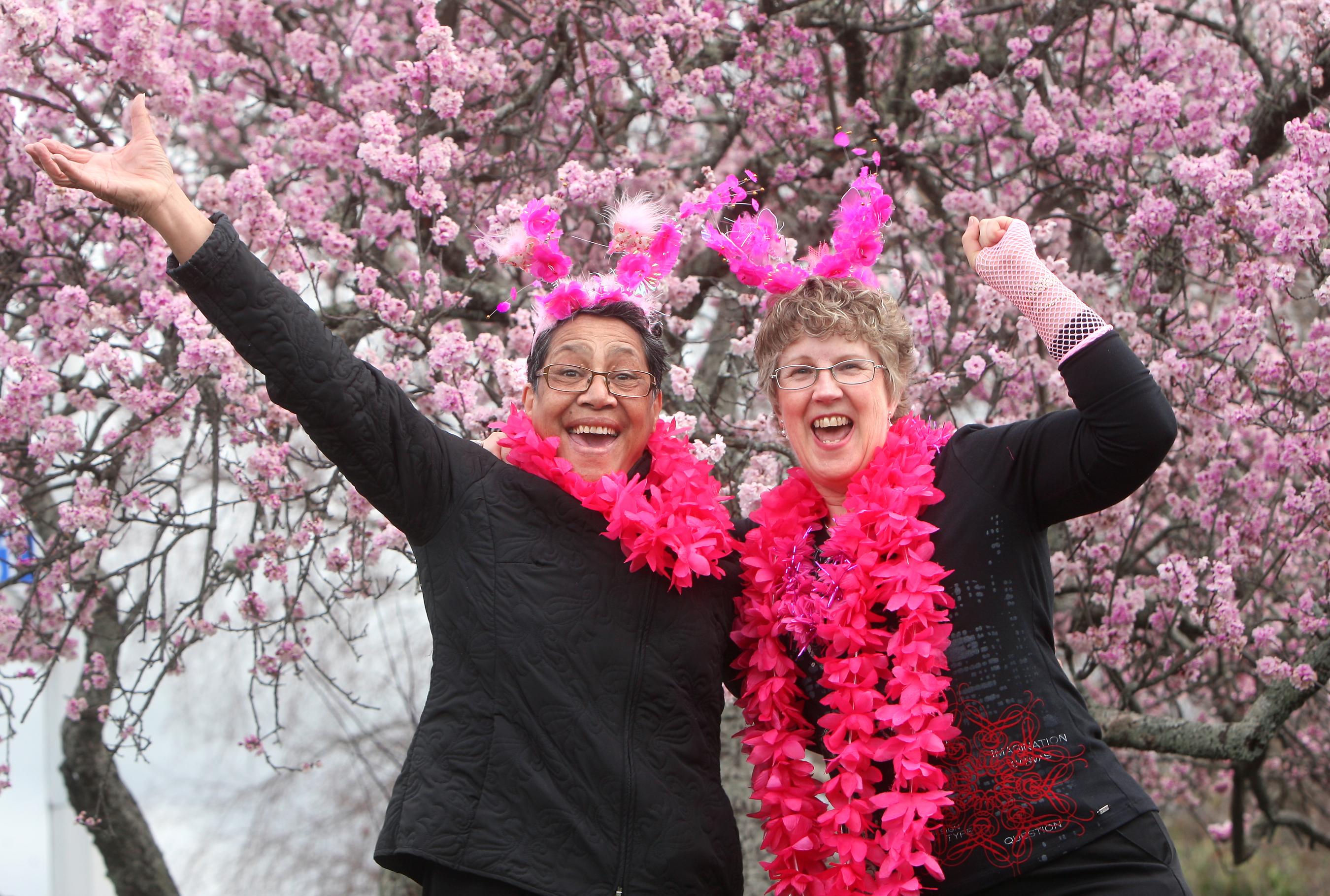 Haehaetu Barret and Robyn Everitt - 2012 Poster Girls